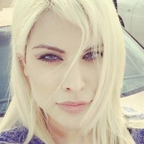 Paria Arabzadeh net worth