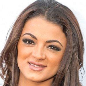 Golnesa Gharachedaghi net worth