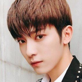 Jin Hong net worth