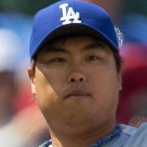 Hyun-jin Ryu net worth
