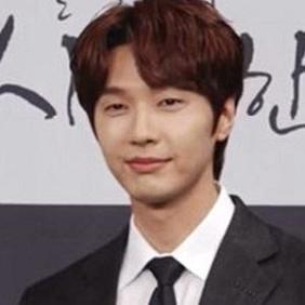 Ji Hyun-woo net worth