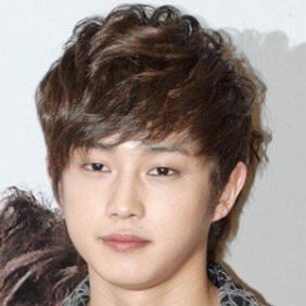 Kim Min-seok net worth