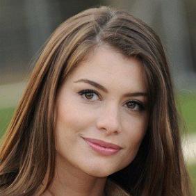 Alinne Moraes net worth