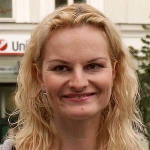 Iva Pazderkova net worth