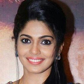 Pooja Sawant net worth