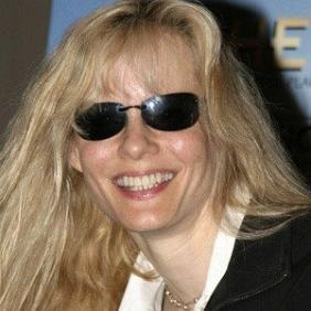 Lori Singer net worth