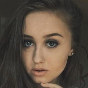 Hannah Stone net worth