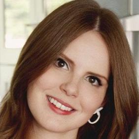 Claire Thomas net worth