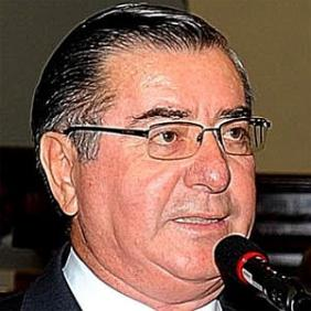 Oscar Valdes net worth