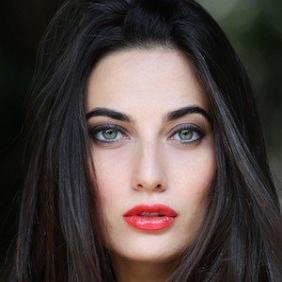 Giulia Valentina net worth